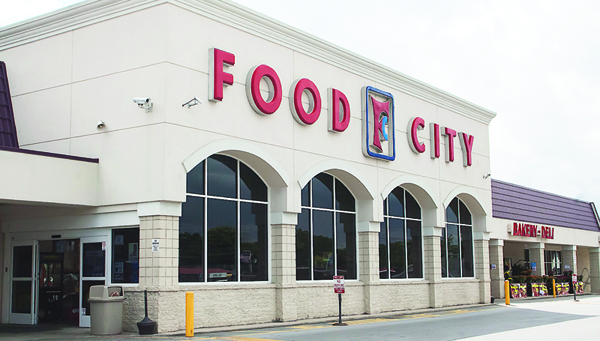 Photo by Brandon Hicks Food City is located in the Village Shopping Center on Broad Street. The company states on the cutting edge of grocery technology, product selection, and customer service, making it a favorite of Elizabethton shoppers.